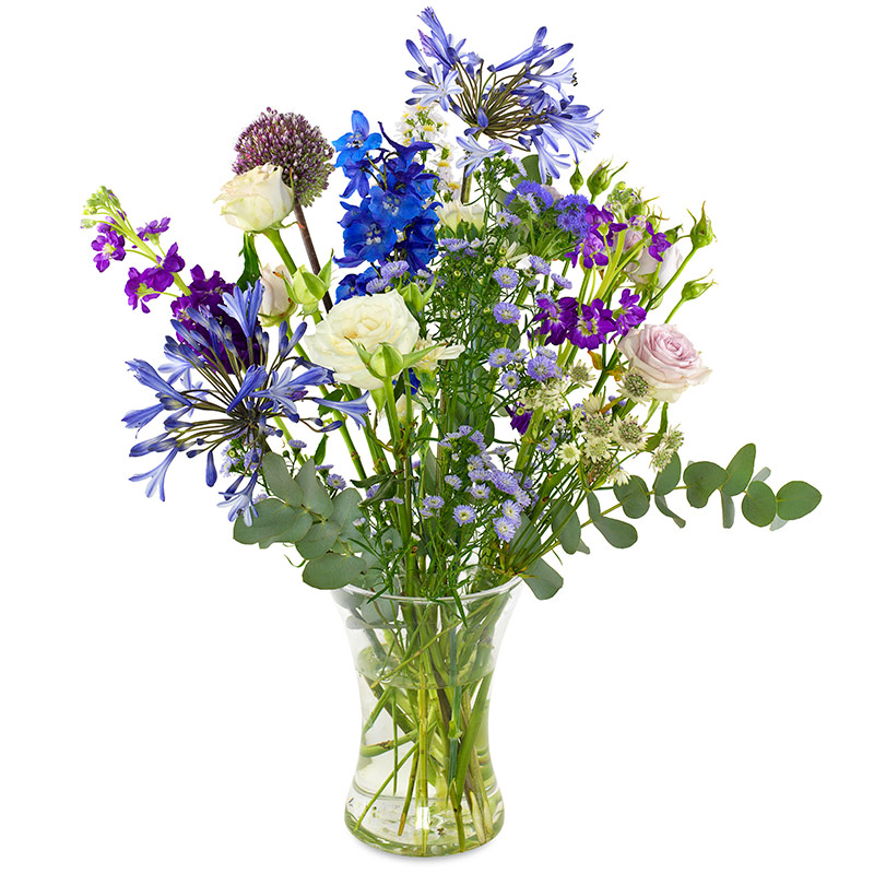 Blue-purple field bouquet