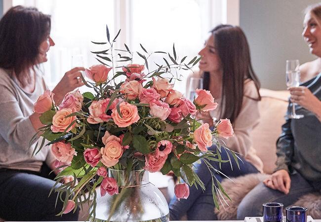 Bloemen sturen naar het buitenland zijn wereldwijd een geliefd cadeau