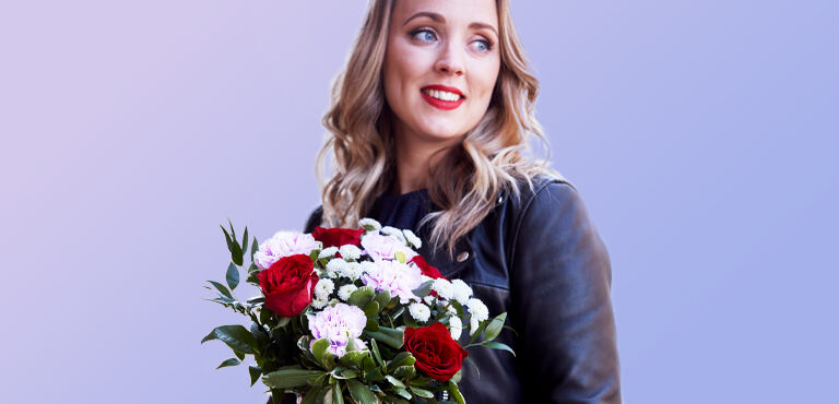 Deliver flowers on International Women's Day